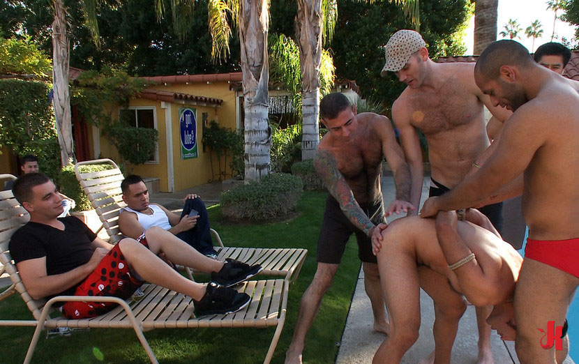 Hot hunks fuck near the pool