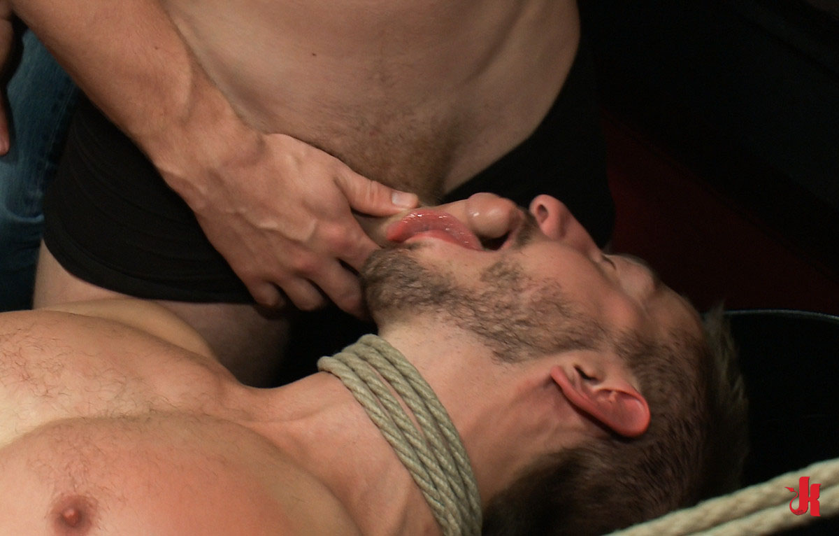 Bound In Public - Fearfull And Curious Gay Hunk Tastes For -2908